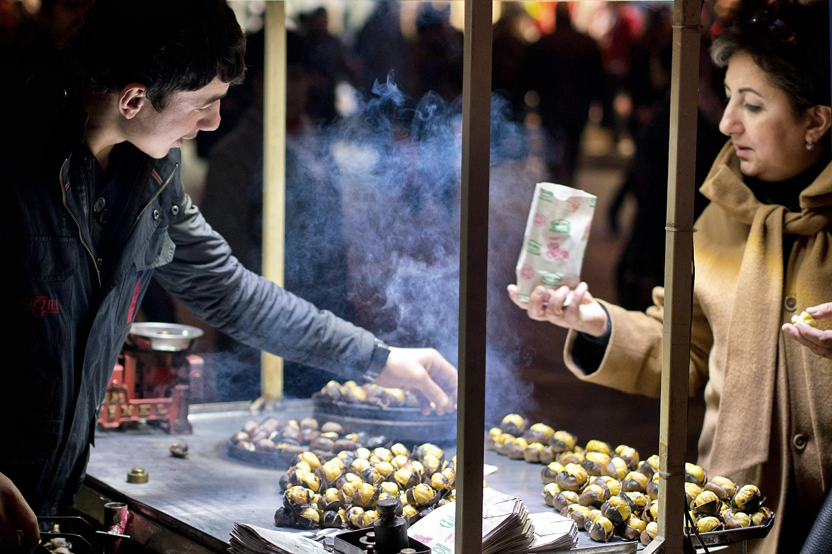 chestnut_seller